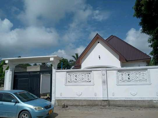 4 bedrooms House for Sale at Mikwambwe Kigamboni image 5