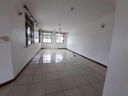4 BEDROOMS STAND ALONE HOUSE FOR RENT image 12