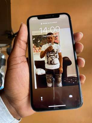 iPhone X 64GB Silver for sale image 4