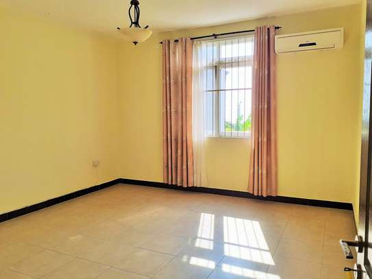 Specious 4 Bedrooms Townhouse With Sea View image 7