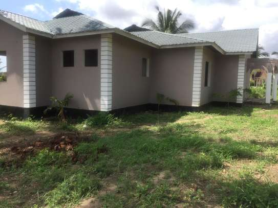 3 bed room big house for sale stand alone   at goba kulangwa image 2