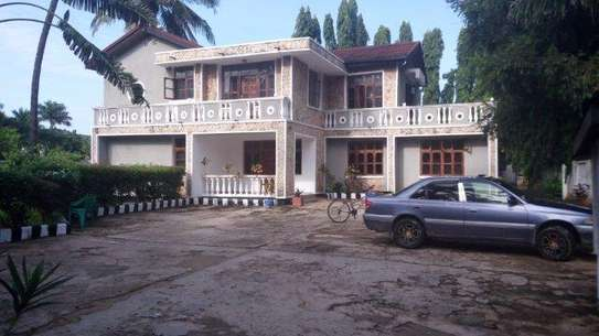7bed house at mikocheni office,massage tsh2000000 image 1