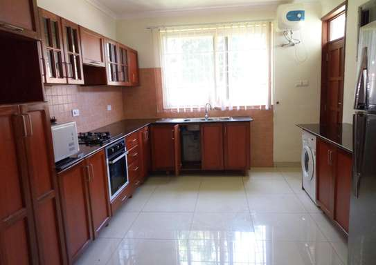 4 Spacious Bedroom Villa House in Oysterbay image 4
