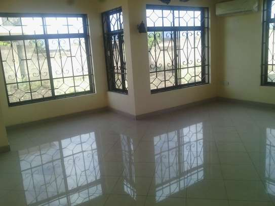 4 Bdrm House at Arusha Airport image 5