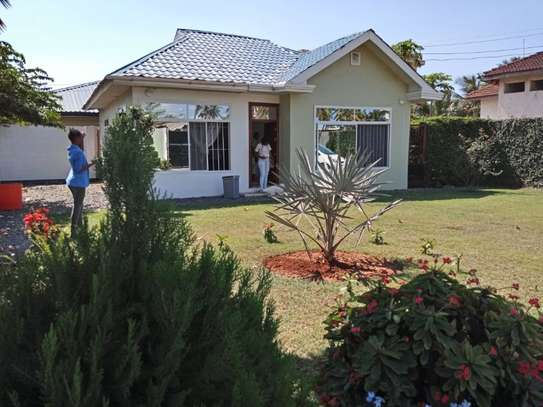 2bed small house for sale at mikocheni tsh200ml bomba image 7