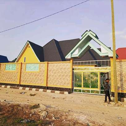 4 bdrms House going cheap at Mbagala