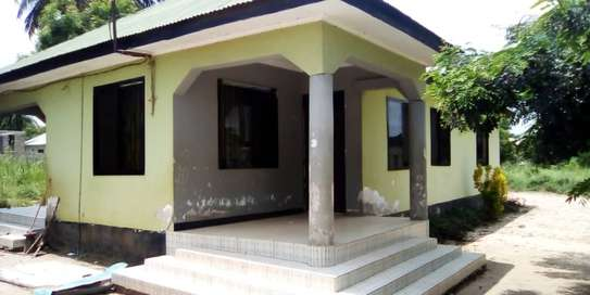 3 bed room house for sale  at madale image 8