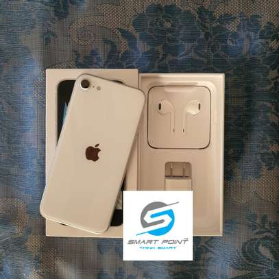 Used iPhone SE 2020 Excellent Condition Like New image 3