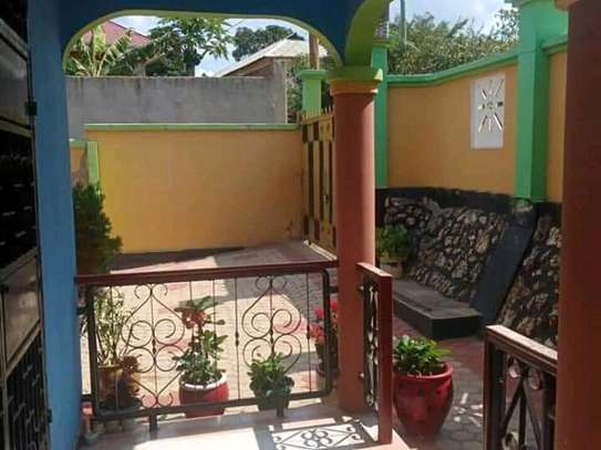 HOUSE FOR SALE SQM 1502 image 4