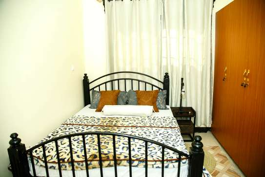 Stylish and cozy 3 bedroom apartment in Arusha image 8