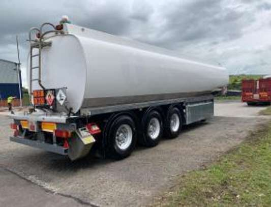 1999 THOMPSON CARMICHAEL TRI AXEL 39000LTRS TANKER USD25000 UP TO DARPORT image 5