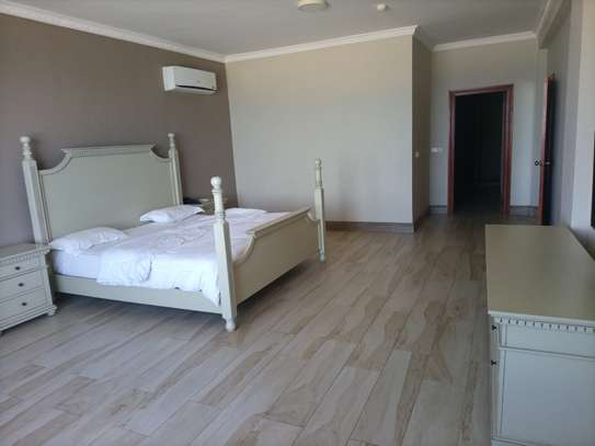Ocean view 3 bdrm apart Fully furnished for rent image 4
