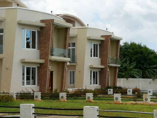 4 Bedroom Villas in Mbezi Beach With Sea View image 1
