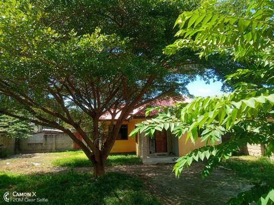 3bed house for sale at mbezi beach tshs 200mil