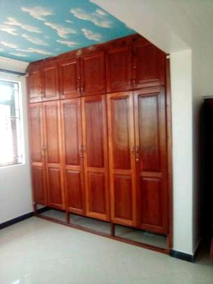New  House for Rent in Bahari Beach. image 6