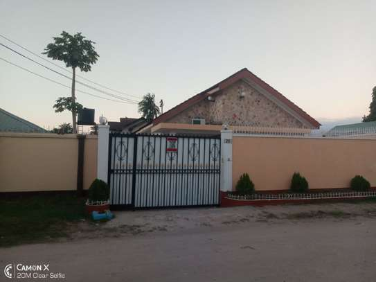 4bed house at mikocheni warioba tshs 1300000 image 5