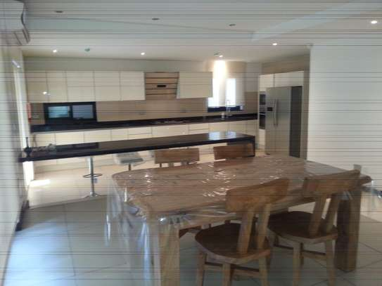 5 Bedrooms Home For Rent In Oysterbay image 5