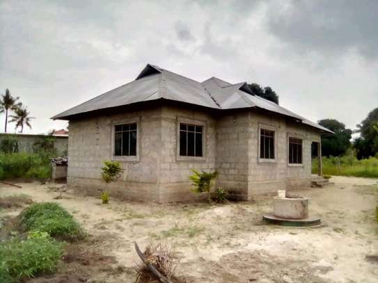 3 bdrms House going cheap at PUGU Kinyamwezi image 1
