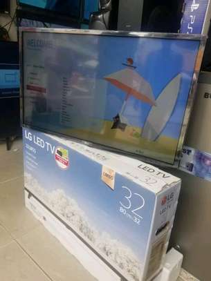 LG LED TV WITH GAME IN BUILD