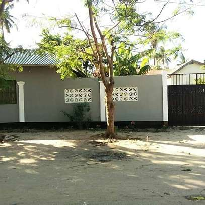OWN 3 BEDROOMS BEAUTIFUL HOUSE AT PRIME KIGAMBONI LOCATION. image 2