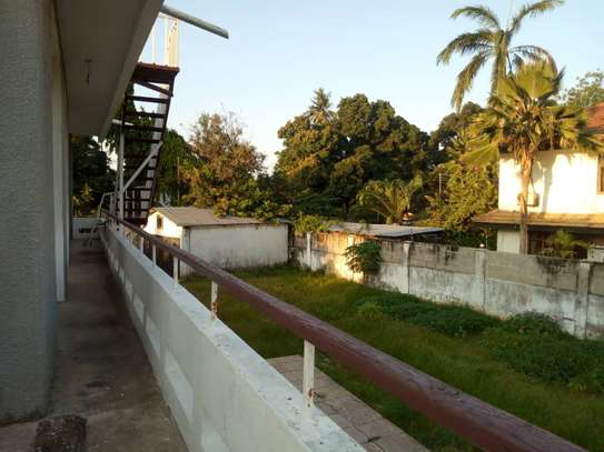 5bed room house with big compound at ada estate $1500 image 8