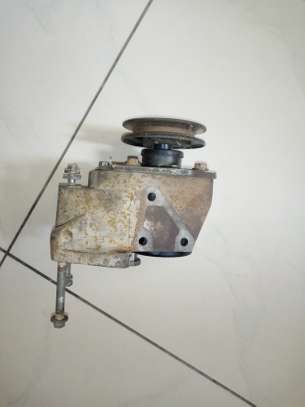 Steering pump land Rover