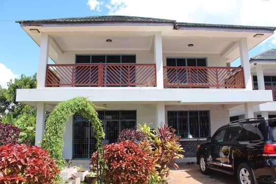 Sea view villas at Oysterbay-Toure Drive for rent image 6