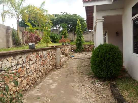 4 bed room , 3 all master for rent at makongo mwisho image 1