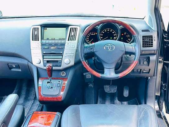 2004 Toyota Harrier image 8