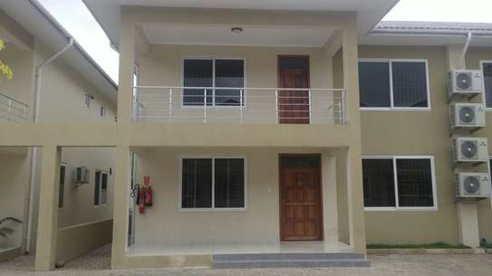 4 Bedrooms Villas For Rent In Oysterbay image 10