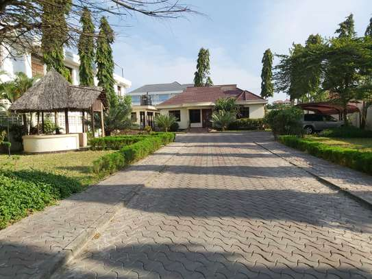 3 THREE BEDROOMS STAND ALONE HOUSE FOR RENT