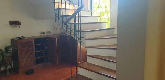 4 bed house for sale $.2mil  at masaki area sqm 800 image 9