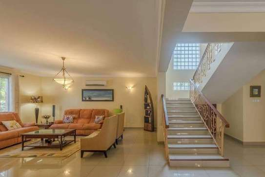 Executive Villa at Oysterbay Available for Rent image 3