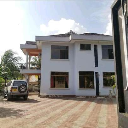 HOUSE FOR RENT MBEZI BEACH image 1