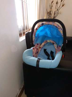USED BABY SEAT AND CARRY FOR 30,000 image 2