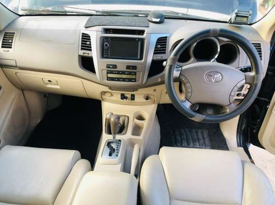 2006 Toyota Fortuner image 6