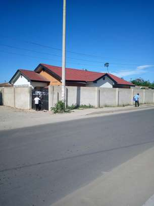 House for sale in makumbusho. image 3