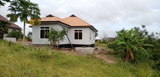 3 bed room house for sale 60ml at kigamboni tuangoma plot areas sqm 1600 image 6