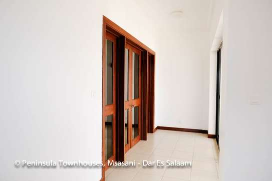 3 Bedrooms Townhouse With Sea View in Msasani image 13