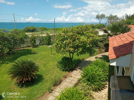4 bed room house sea view for rent at oyster bay toure drive image 7