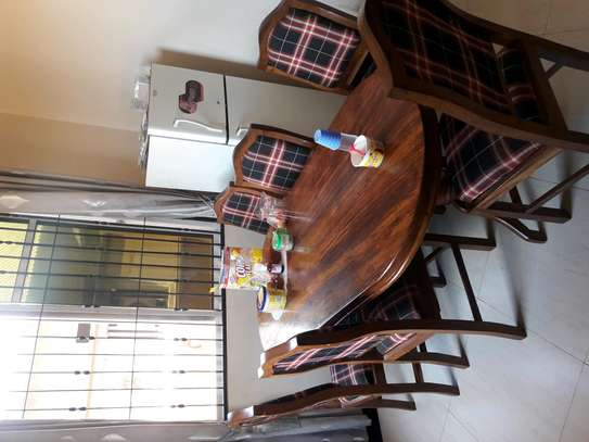 DINING TABLE ( 1 Table n 6 Chairs)