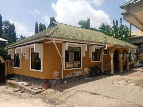 3 bed room house for sale at mbezi makabe image 1