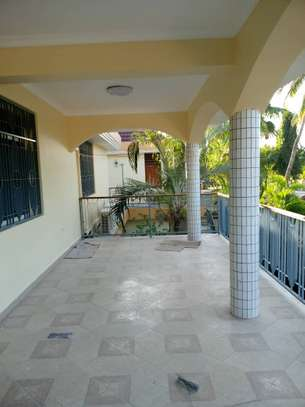 10bed  house at mikocheni a mwinyi area is available image 14