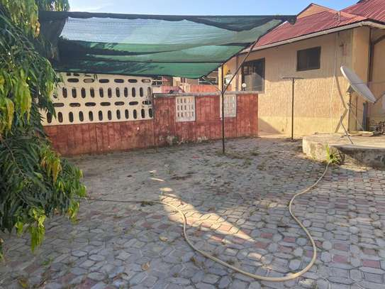 3 bed room house in the compound for rent at makongo juu image 1