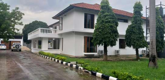 6BEDROOMS HOUSE 4RENT AT MIKOCHENI