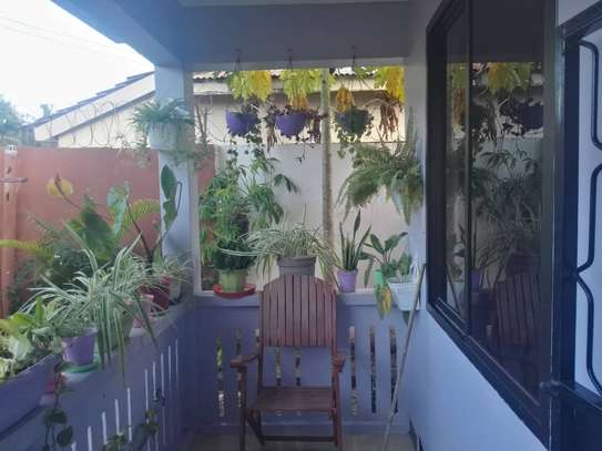 3bed house fuiiy famiched nice view at regent estate $500pm image 2