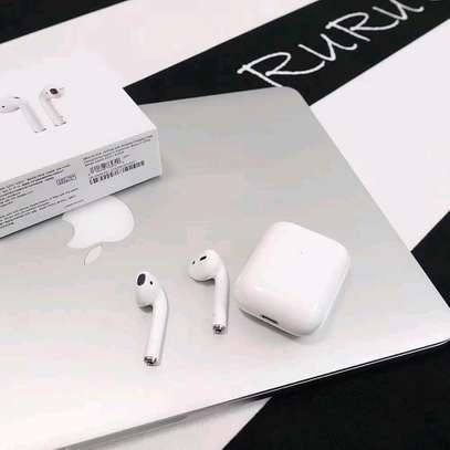 AirPods 2 with Wireless Charging Case image 3