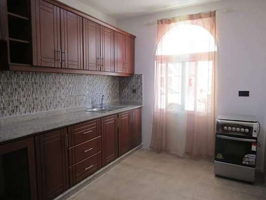 4 Bedrooms Full Furnished Villa House in Masaki image 6
