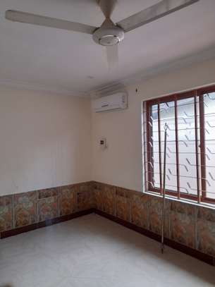 3bedroom standalone house to let in Mikocheni image 11