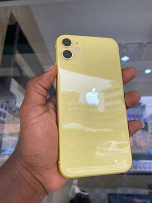 iPhone 11 128GB Yellow for sale image 3